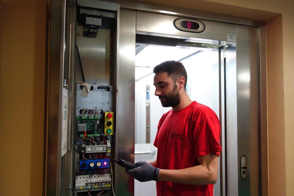 copas ascenseur depannage armoire de commande